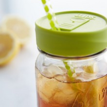 Drink Lid ice tea with lemons